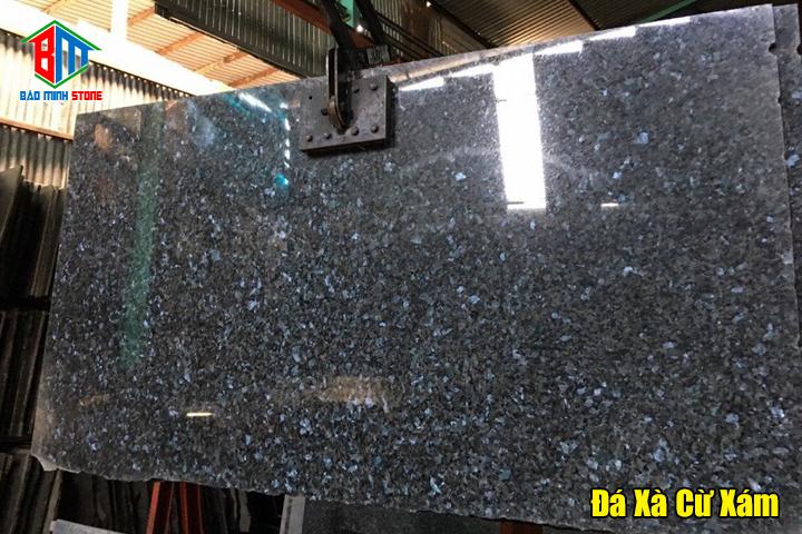 Đặc điểm của dòng đá tự nhiên granite màu xám